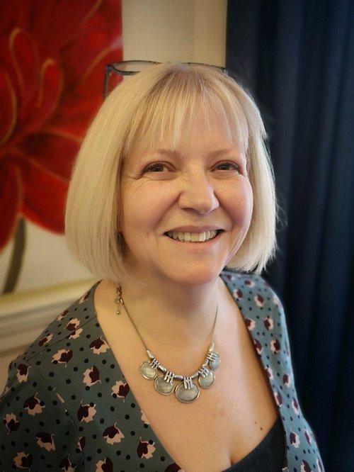 Julie Davies.jpg