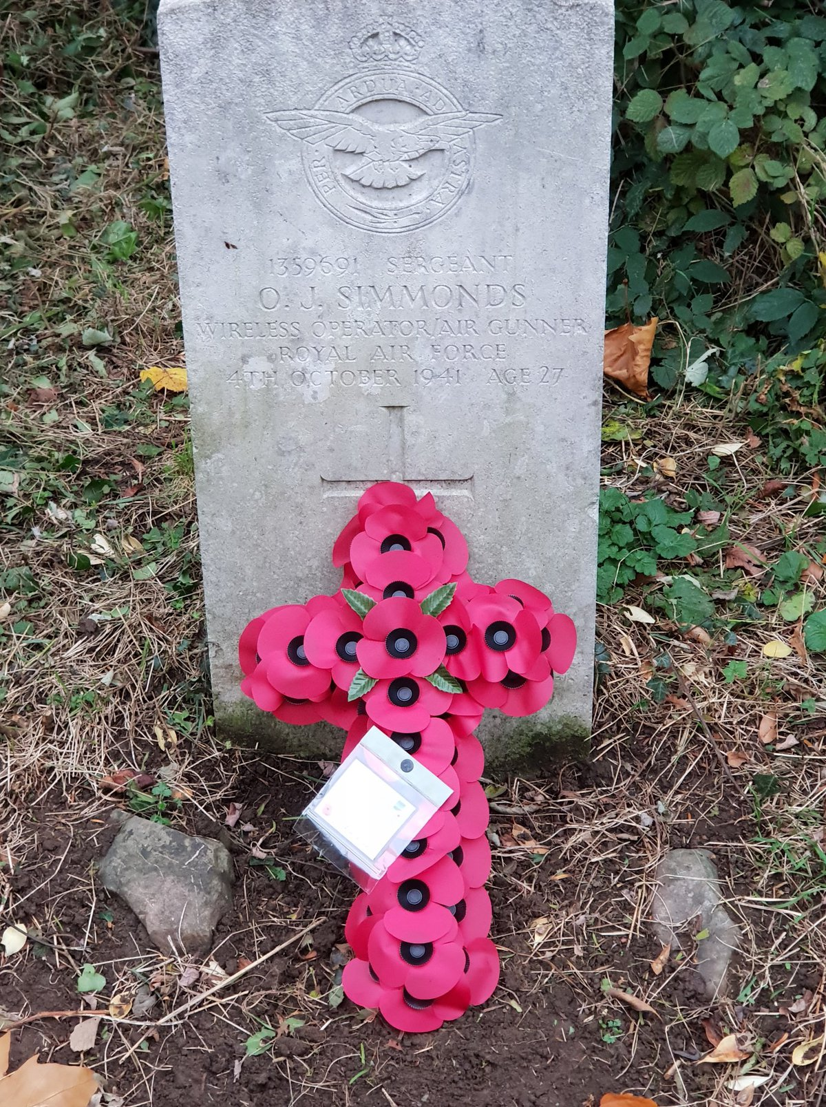 War grave with a remembrance cross